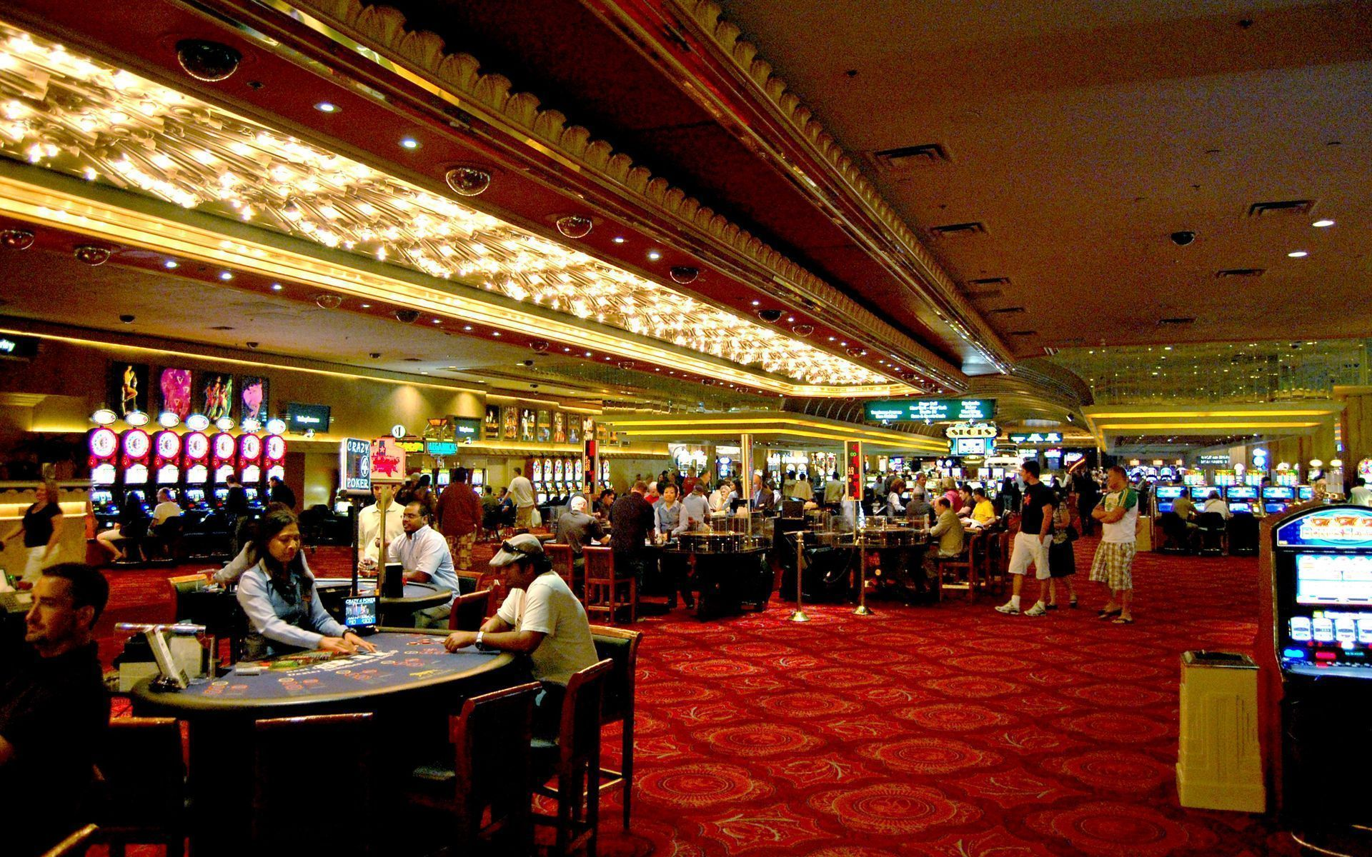 The Easy Gambling That Wins Customers